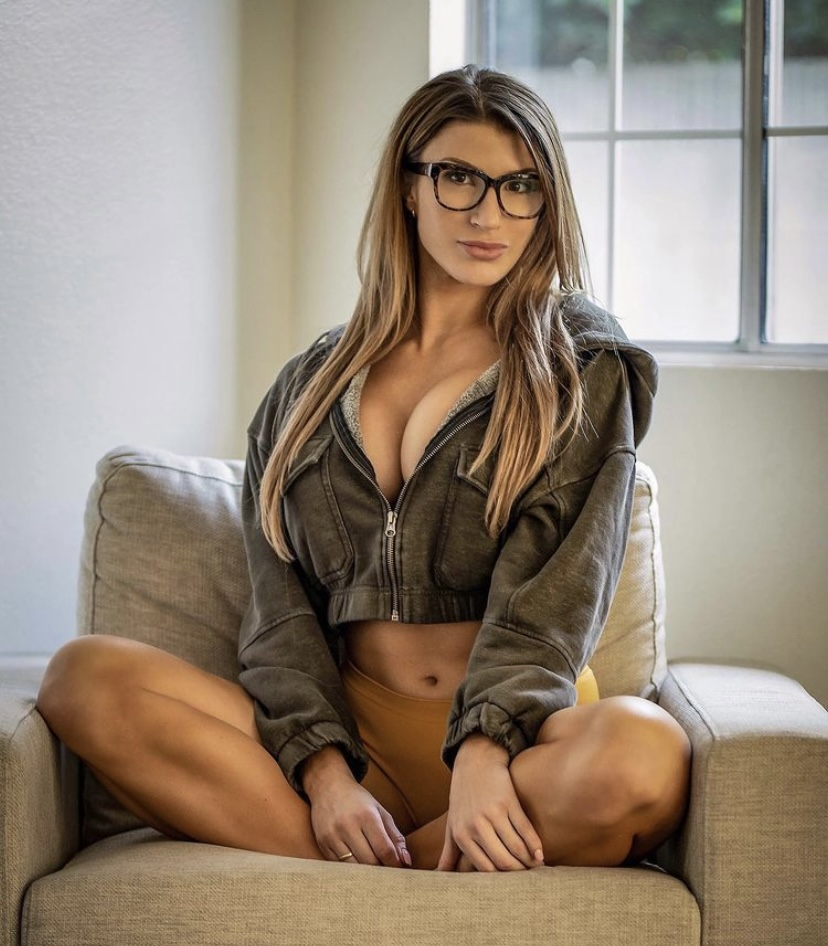 Taylor Spadaccino Is Getting Her Fitness On [PHOTOS]
