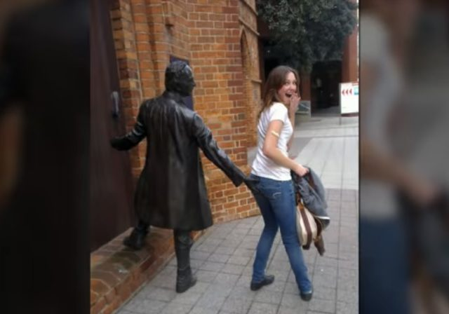 Creative People Posing with Sculptures Is Pretty Funny